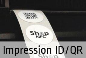 Impression monochrome d'un logo, des codes de série, codes QR et d'autres variables